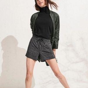 Athlteta Camden Printed Shorts Sz 4